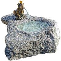 Brunnenset 'Froschkönig Georg', Bronze auf Stein, Brunnen