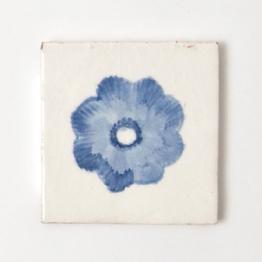Fliese ´´myosotis´´, blau/weiß, L 10 cm, B 10 cm, H 1 cm