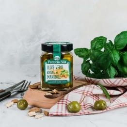 Gefüllte grüne Oliven mit Mandeln