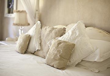 Mediterrane Schlafzimmermöbel © Fotolia