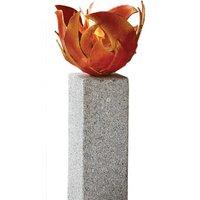 Rote Feuerschale (Version mit Granitstele), Skulptur