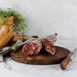 Salami mit Pistazien