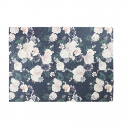 Teppich in Rosenrot und Schwarz mit Blumenmotiv 140x200